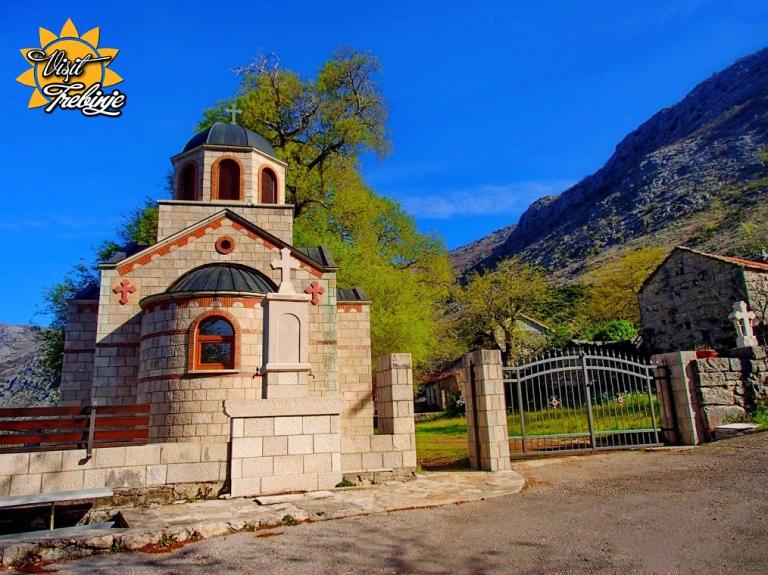 Crkva Sv. Vasilija Tvrdoškog i Ostroškog 01