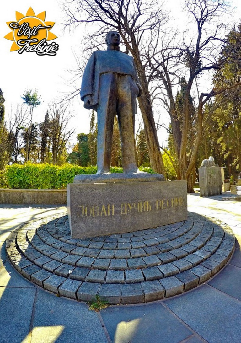 SPomenik Jovanu Ducicu Trebinje NemosDesign