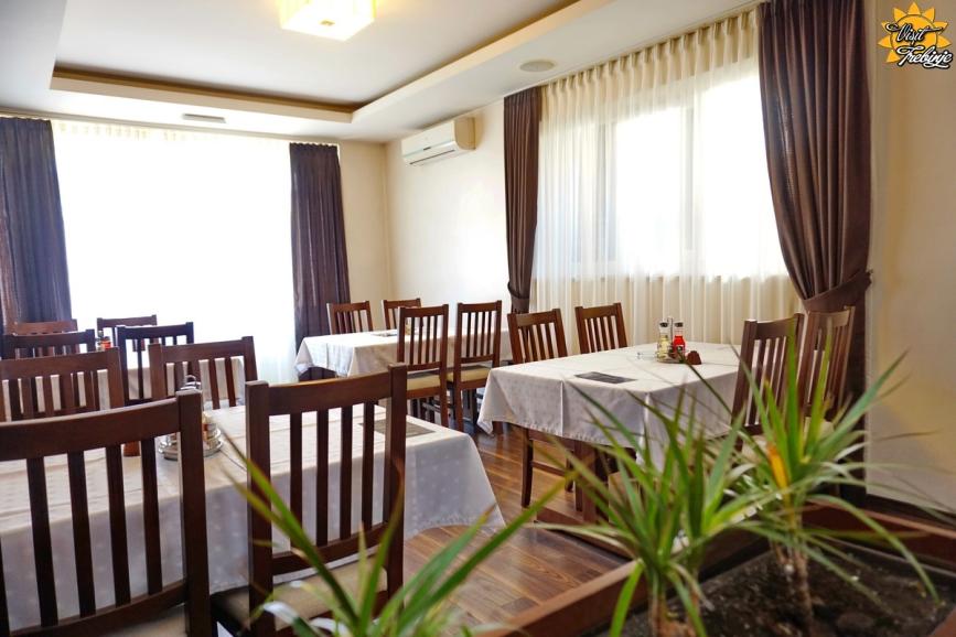 Restoran Tarana Vinogradi (5)  visit.jpg