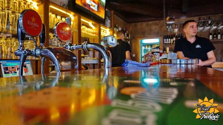 Dublin Pub Unutra (12).JPG