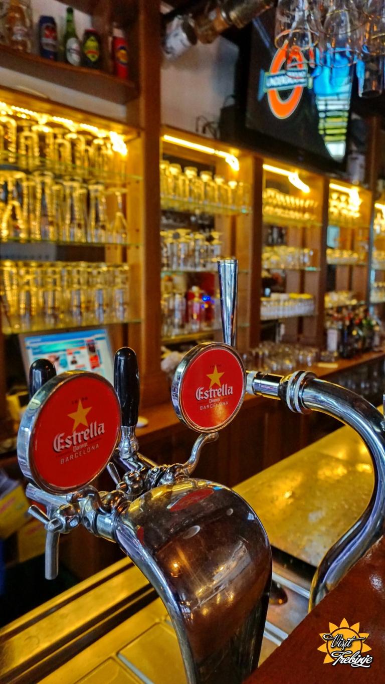 Dublin Pub Unutra (14).JPG